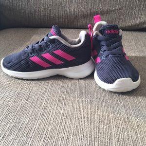 Toddler girl size 5K Adidias sneaker